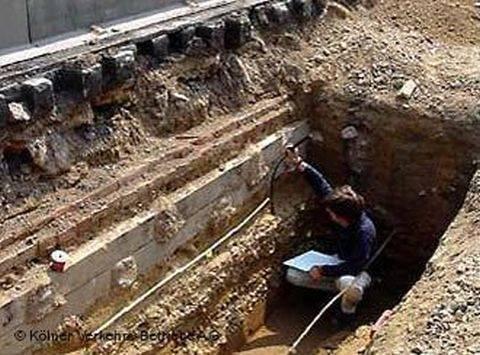 Αρχαιοκάπηλοι άνοιξαν τάφους στη Φθιώτιδα