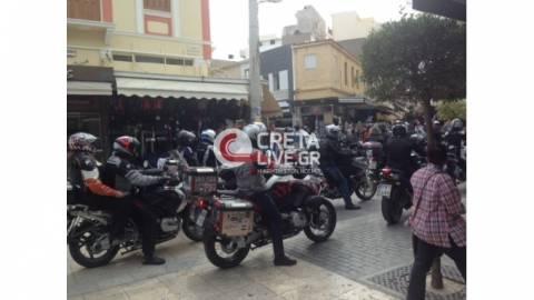 Ηράκλειο Κρήτης: Παρέλαση από... μηχανές στο κέντρο της πόλης (photos)
