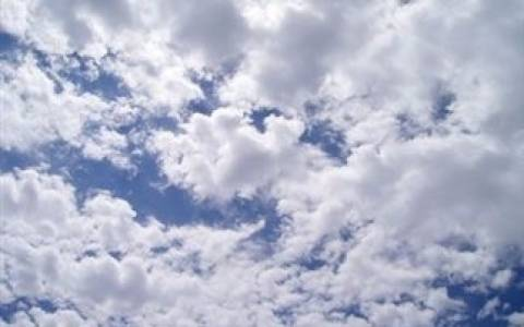 Mε σύννεφα σχεδόν σε όλη τη χώρα οι παρελάσεις της 25ης Μαρτίου