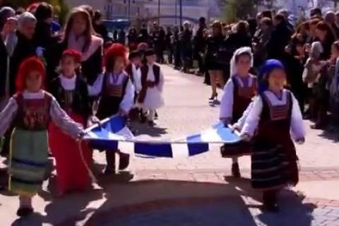 Αντίρριο: Αυτά είναι τα παιδάκια που εντυπωσίασαν στην παρέλαση (vid)