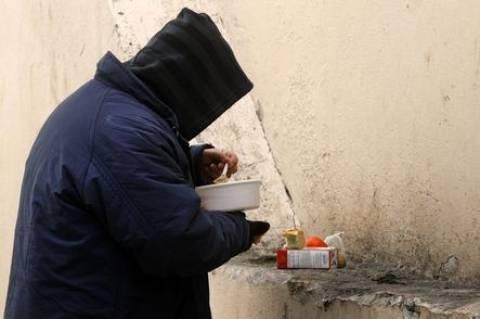 Στην… ουρά για ένα πιάτο φαϊ νεόπτωχοι της Θεσσαλονίκης