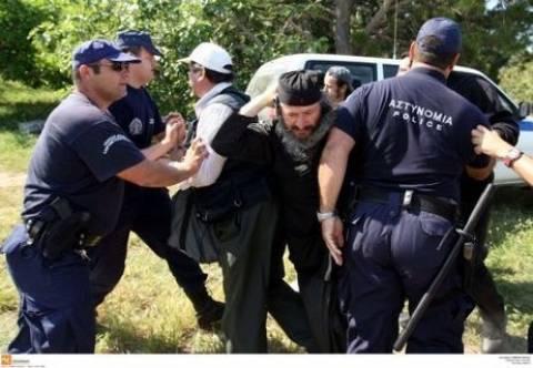 Μονή Εσφιγμένου: Μήνυση κατά της Αστυνομίας