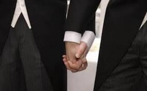 Βρετανία: Απόψε πραγματοποιείται ο πρώτος νόμιμος γάμος ομοφυλοφίλων