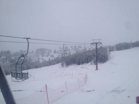 Βασιλίτσα Γρεβενών: Ανοιξη με… 20 cm χιόνι στο Χιονοδρομικό!