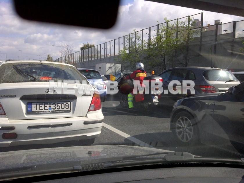 Τροχαίο ατύχημα στην Αττική οδό  (pics)