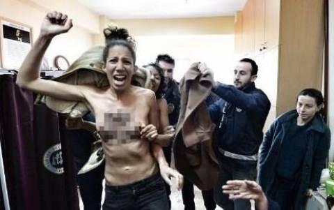В Стамбуле активистки Femen разделись на муниципальных выборах
