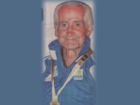 Το λέει η καρδούλα του: Στο ψηλότερο σκαλί ο «Έλληνας Παππούς»