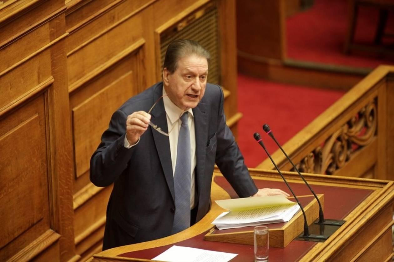 Πολύδωρας: Θα ψηφίσω «παρών» για την άρση ασυλίας βουλευτών της ΧΑ