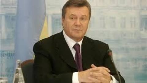 Ο Γιανουκόβιτς «δεν μπορεί να δεχτεί» την απώλεια της Κριμαίας