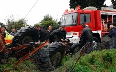 Τρακτέρ έπεσε πάνω σε αγροτικό αυτοκίνητο