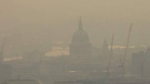 Συναγερμός στο Λονδίνο λόγω της επικίνδυνης αιθαλομίχλης