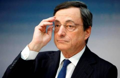 Ντράγκι: Ο χαμηλός πληθωρισμός δυσκολεύει τη μείωση του χρέους