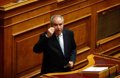 Νέα πυρά κατά Μπαλτάκου στη Βουλή