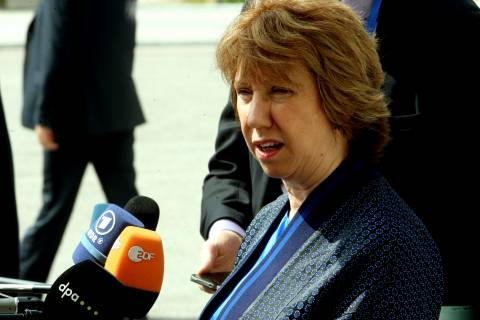 Άστον: Αίρονται οι εμπορικοί περιορισμοί μεταξύ Ε.Ε. και Ουκρανίας