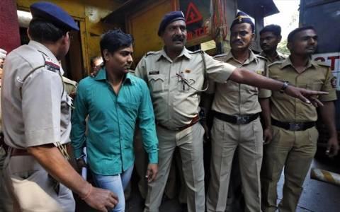 Ινδία: Σε θάνατο τρεις κατηγορούμενοι για δύο ομαδικούς βιασμούς