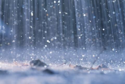 Τοπικές βροχές σήμερα Σάββατο