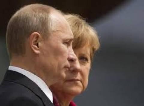 Η Μέρκελ απειλεί την Ρωσία