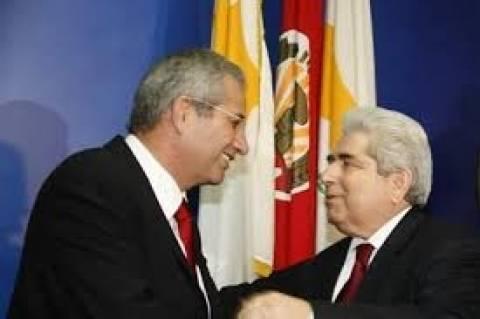 Κύπρος: Στη Μόσχα για επαφές Κυπριανού-Χριστόφιας