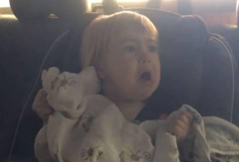 Κοριτσάκι έζησε τον απόλυτο τρόμο μέσα σε... (βίντεο)