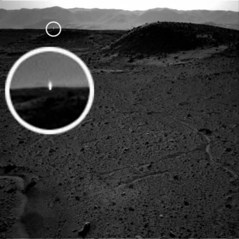 Μήπως αυτό το μυστήριο φως αποδεικνύει την ύπαρξη ζωής στον Άρη;