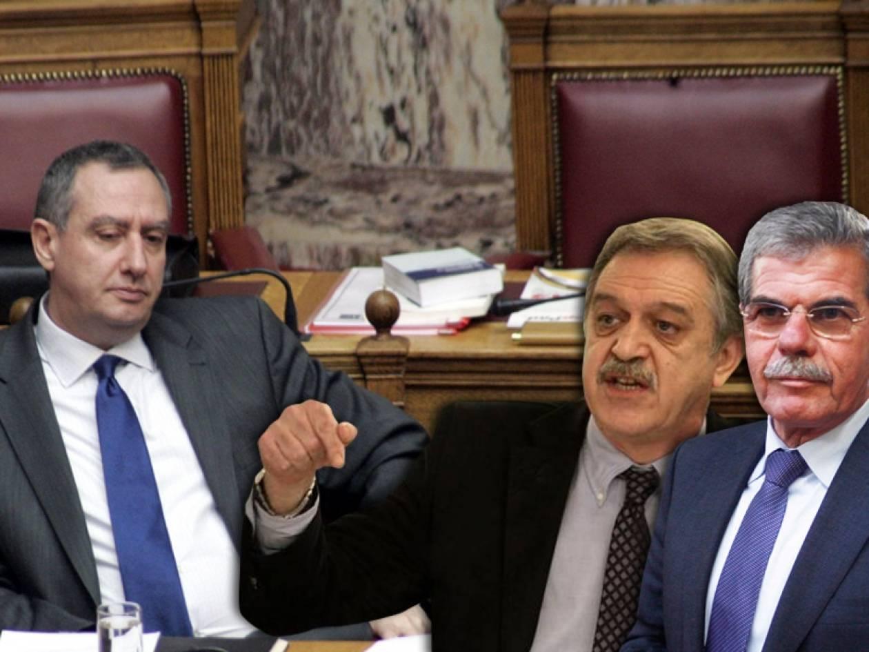 Νέοι τριγμοί στην κυβέρνηση - «Αντάρτικο» από βουλευτές του ΠΑΣΟΚ