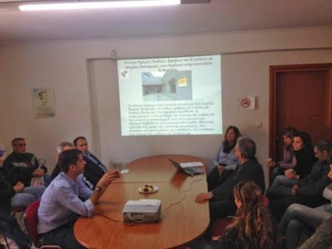 Φωκίδα: Συζήτηση Μπακογιάννη με εκπροσώπους των παραγωγικών φορέων