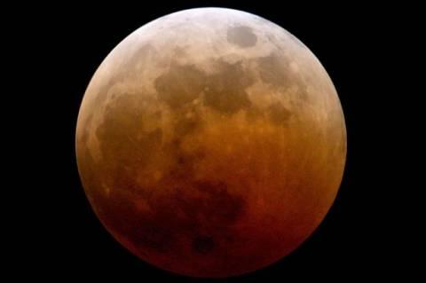 «Ματωμένα φεγγάρια»: Έρχεται το τέλος του κόσμου;