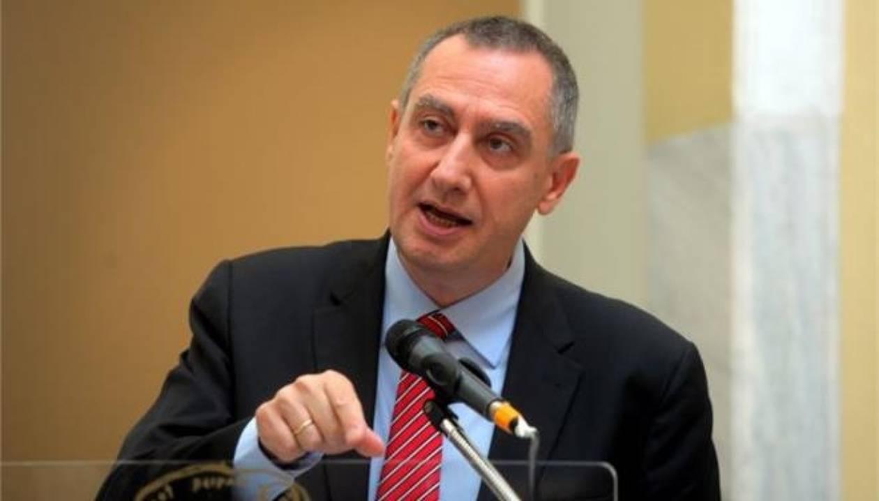 Μιχελάκης: Προσπάθεια να μείνει η Ελλάδα εγκλωβισμένη
