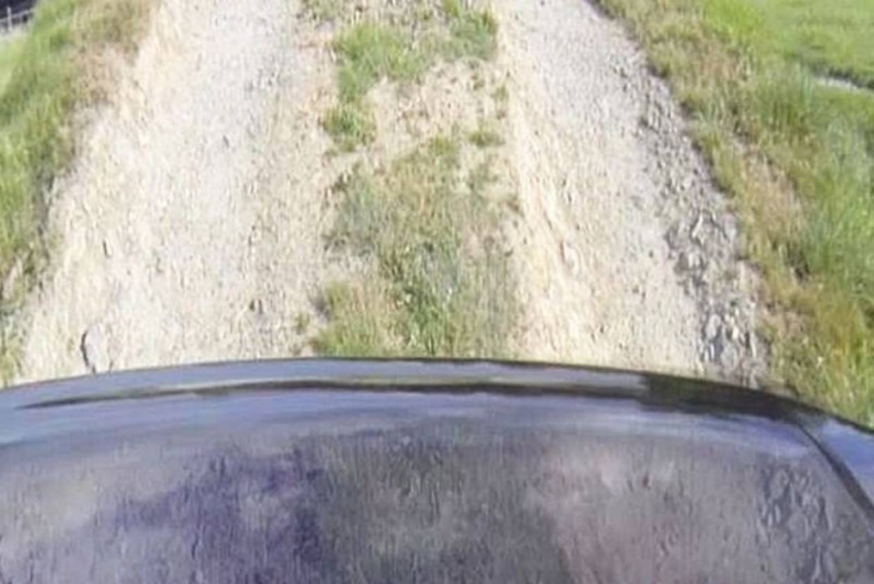 Κάνει το καπό του αυτοκινήτου σου αόρατο! (video)
