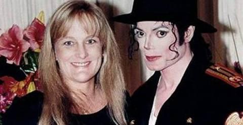Η σύζυγος του Μάικλ Τζάκσον ζητά την επιμέλεια των παιδιών