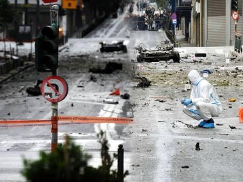 Οι κάμερες «φωτογράφησαν» 2 άτομα από το χτύπημα στο κέντρο της Αθήνας