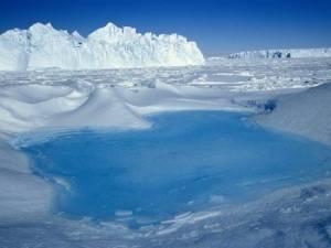 Daily Mail:  Οι πάγοι της Ανταρκτικής λιώνουν πιο γρήγορα