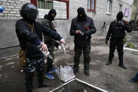 Ράσμουσεν: Η Ρωσία να αποκλιμακώσει την κρίση