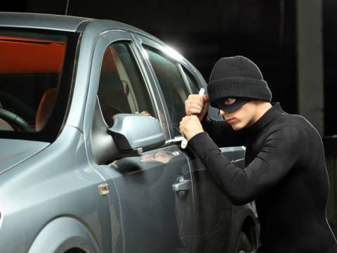 ΠΡΟΣΟΧΗ: Αυτό είναι το νέο κόλπο απατεώνων για να κλέβουν αυτοκίνητα