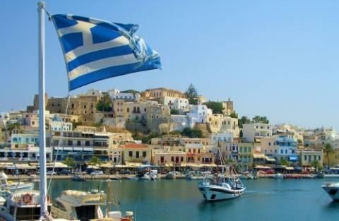 Σχεδόν 18 εκατ. οι τουρίστες πέρυσι στην Ελλάδα