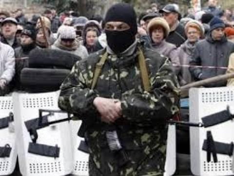 Αρχηγός των φιλορώσων στο Σλαβιάνσκ ζητάει βοήθεια από τον Πούτιν