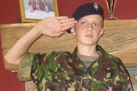 Επίδοξος στρατιωτικός κινδυνεύει να «χάσει» τα χέρια του (photos)