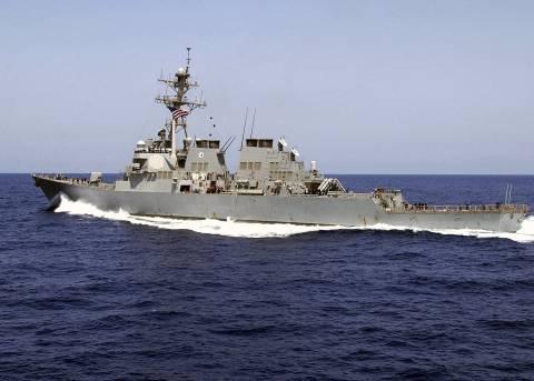 Κοντά σε αμερικανικό πολεμικό πλοίο πέταξε ρωσικό μαχητικό