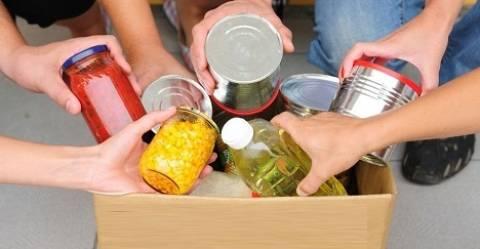 Θεσσαλονίκη: Διανομή τροφίμων σε άπορους δημότες