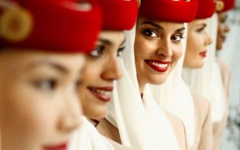 Η Emirates έρχεται Ελλάδα και ψάχνει 3.800 αεροσυνοδούς