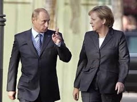 Συνομιλία Μέρκελ-Πούτιν ενόψει της τετραμερούς συνόδου