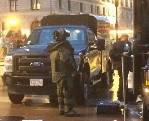 Ελεγχόμενες εκρήξεις στα ύποπτα σακίδια που εντοπίστηκαν στη Βοστόνη