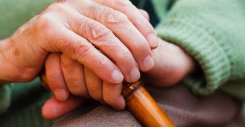 Παρίσταναν υπαλλήλους της Πρόνοιας και εξαπατούσαν ηλικιωμένες