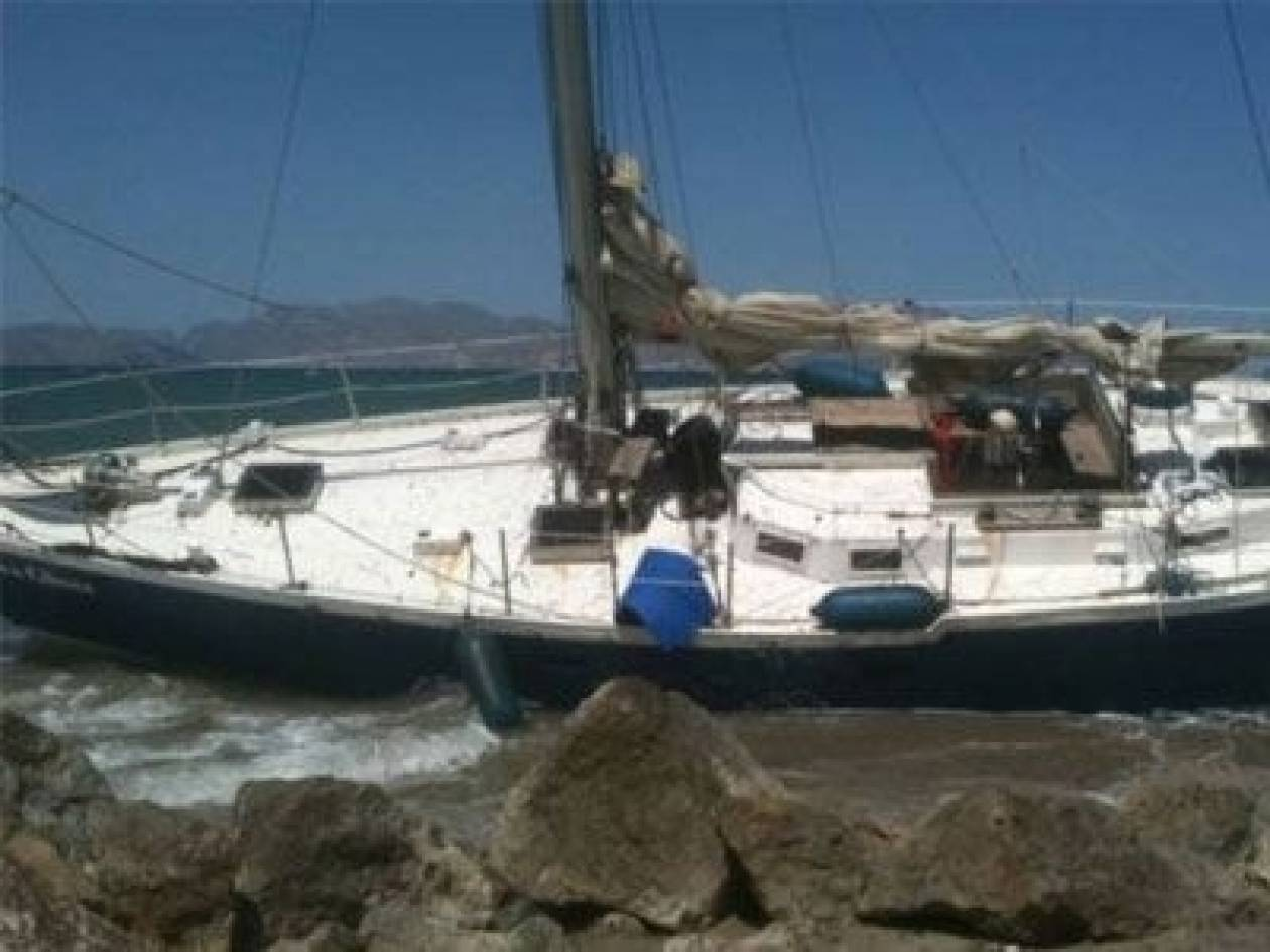 Ακυβέρνητο ιστιοφόρο σκάφος προσάραξε στο Σούνιο