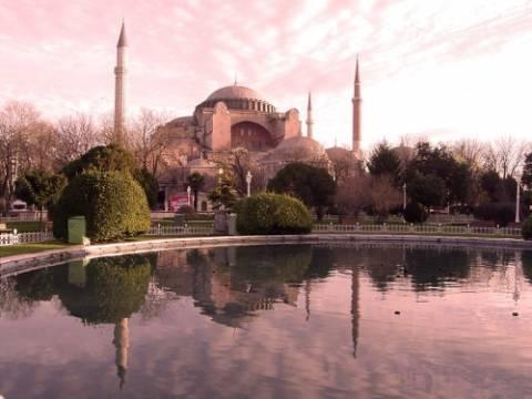 Τουρκία: Eνας στους 5 τουρίστες επισκέφτεται την Αγ. Σοφία