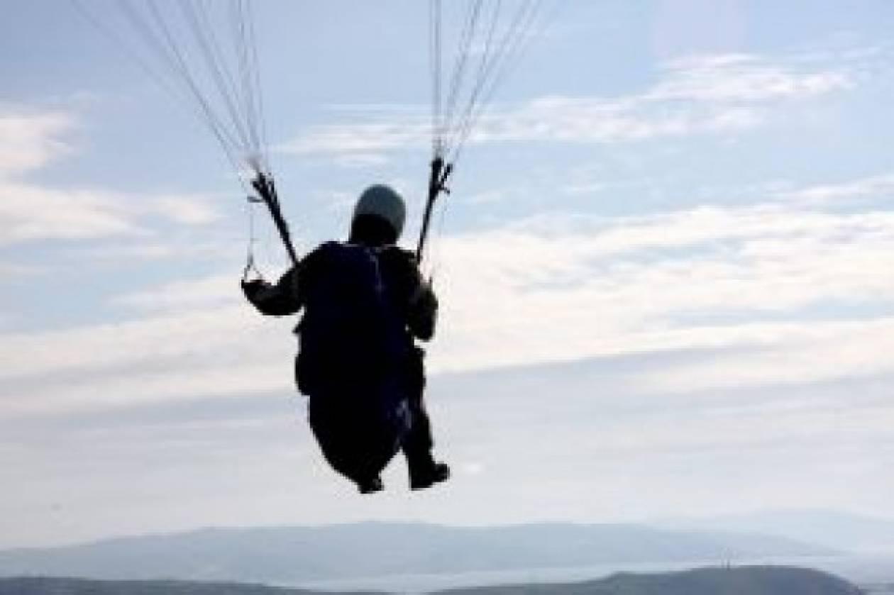 Κρήτη: Σοβαρός τραυματισμός Βρετανού αλεξιπτωτιστή
