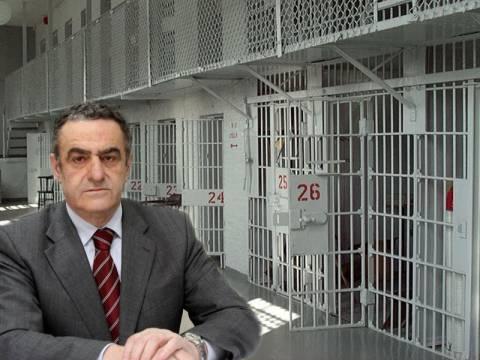 Ελεύθεροι όσοι καταδικάζονται σε φυλάκιση έως 5 χρόνια