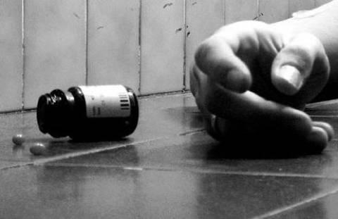 Τραγωδία: Ήπιε φυτοφάρμακο και ξεψύχησε μέσα στον οικογενειακό τάφο!