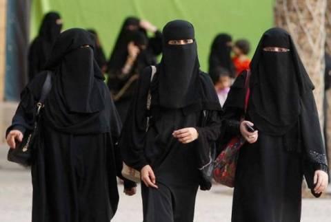 Σ. Αραβία: Καταδικάστηκε σε 150 μαστιγώσεις επειδή οδηγούσε!