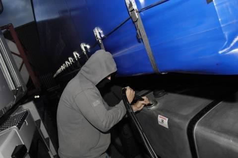 Πλάτανος Ημαθίας: Σύλληψη δυο Ρουμάνων για κλοπή καυσίμων από φορτηγό